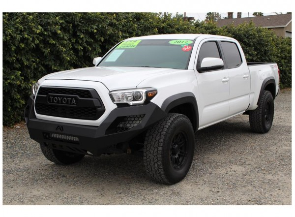 2017 Toyota Tacoma Double Cab TRD Off-Road Pickup 4D 6 ft