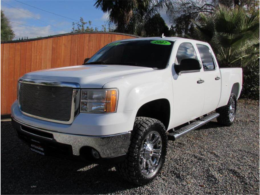 2007 GMC Sierra 2500 HD Crew Cab SLE Pickup 4D 6 1/2 ft