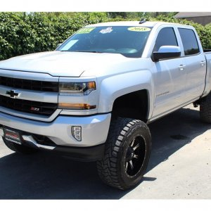 2018 Chevrolet Silverado 1500 Crew Cab King shocks SOLD!!!