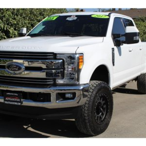 2017 Ford F250 Super Duty Crew Cab FX4 with Level kit