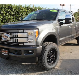 2019 Ford F350 Super Duty Crew Cab 35s- Loaded
