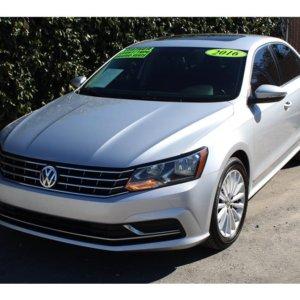 2016 Volkswagen Passat Loaded